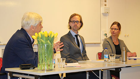 In the photo: Peter Wallensteen, Svensson and Kristine Höglund